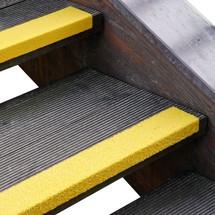 Profilé de protection pour rebords de marches d'escalier en GFK renforcé, jaune