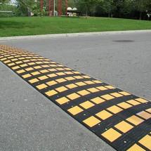 Próg do montażu na jezdniach SafeRide®