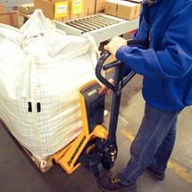 Ręczne wózki paletowe Jungheinrich AMW 22p z wagą. Podziałka 0,2 kg. Udźwig 2200 kg.