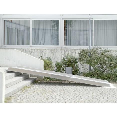 Rolstoeloprijplaat. Capaciteit 400 kg, lengte tot 4 m, hoogte tot 77 cm