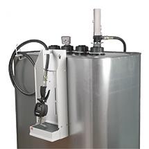 Schmierstoff-Tank mit Druckluftpumpe.