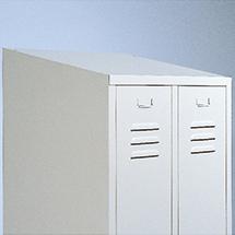 Schrägdachausführung für Garderobenschrank