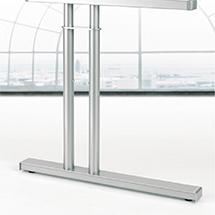 Schreibtisch Profi Freiform 135°. Höhe 720 mm. C-Fuß