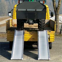 Schwerlast-Verladeschienen mit Schutzrand. Tragkraft bis 5320 kg