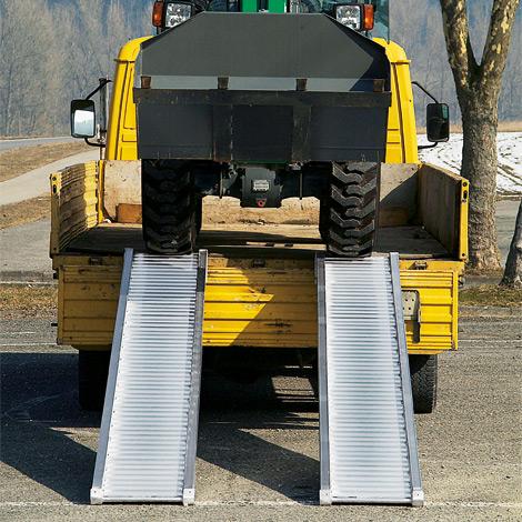Schwerlast-Verladeschienen ohne Schutzrand. Tragkraft bis 5320 kg