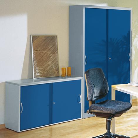 Sideboard mit Schiebetüren. 720 x 800 mm (HxB)