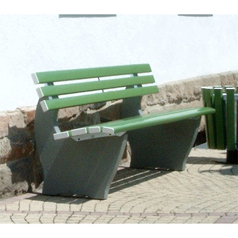 Sitzbank KOPENHAGEN mit Betonfuß, Latten Holz oder PVC