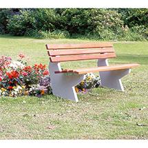 Sitzbank OSLO mit Betonfuß, Latten Holz oder PVC