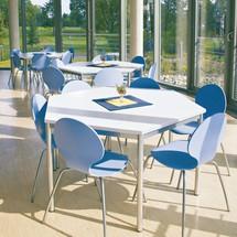 Sitzgruppe mit 2 Trapez-Tischen