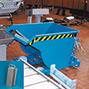 Späne-Kippbehälter mit Siebblech, Tragkraft 1000 kg, Volumen 0,3 m³, lackiert