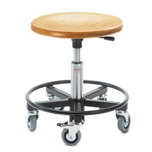 Stolička sdřevěným tvarovaným sedákem