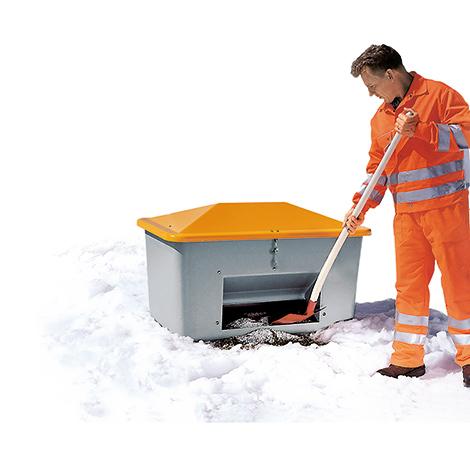 Streugutbehälter aus GFK mit Entnahmeöffnung. Inhalt bis 2200 Liter