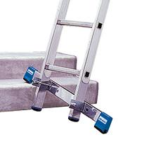 Stütztraverse für Gelenk-Teleskopleiter KRAUSE ® mit Zwei-Komponenten-Fußkappen