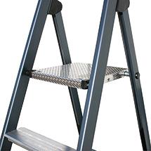 Stufen-Stehleiter KRAUSE ® eloxiert. Mit Plattform + ergonomischer Bügelablage