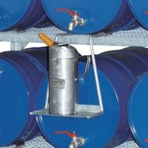 Support de bidon pour rayonnage à fûts CEMO et bâtis empilables avec bacs de rétention en PRV