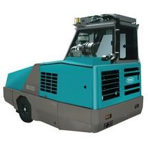 TENNANT® ride-on veegmachine 800