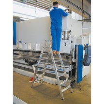 Trapladder KRAUSE®, aan 2 zijden begaanbaar, hoogvast geflenste verbindingen, uit aluminium