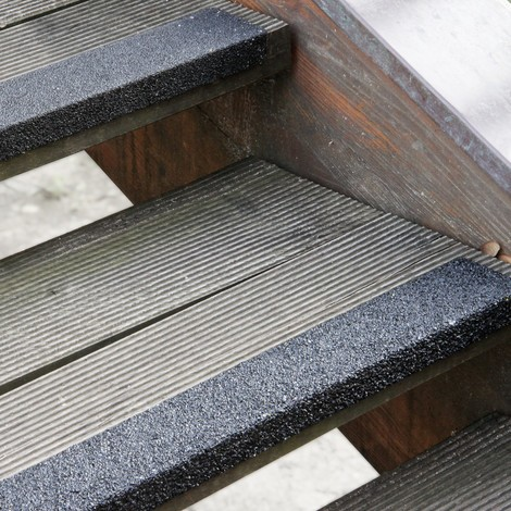 Treppenkantenprofil aus GFK Extra Stark, schwarz