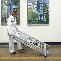 Trittleiter Pofi aus Aluminium mit 2 Rollen