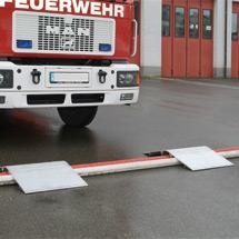 Überfahrbrücke für Leitungen. Tragkraft 7000 kg