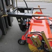 Veegmachine voor de heftruck