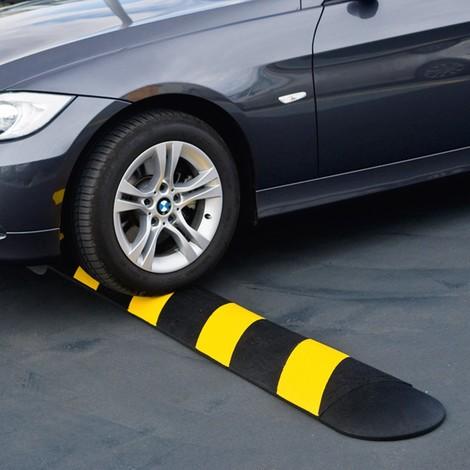 Verkeersdrempel auto